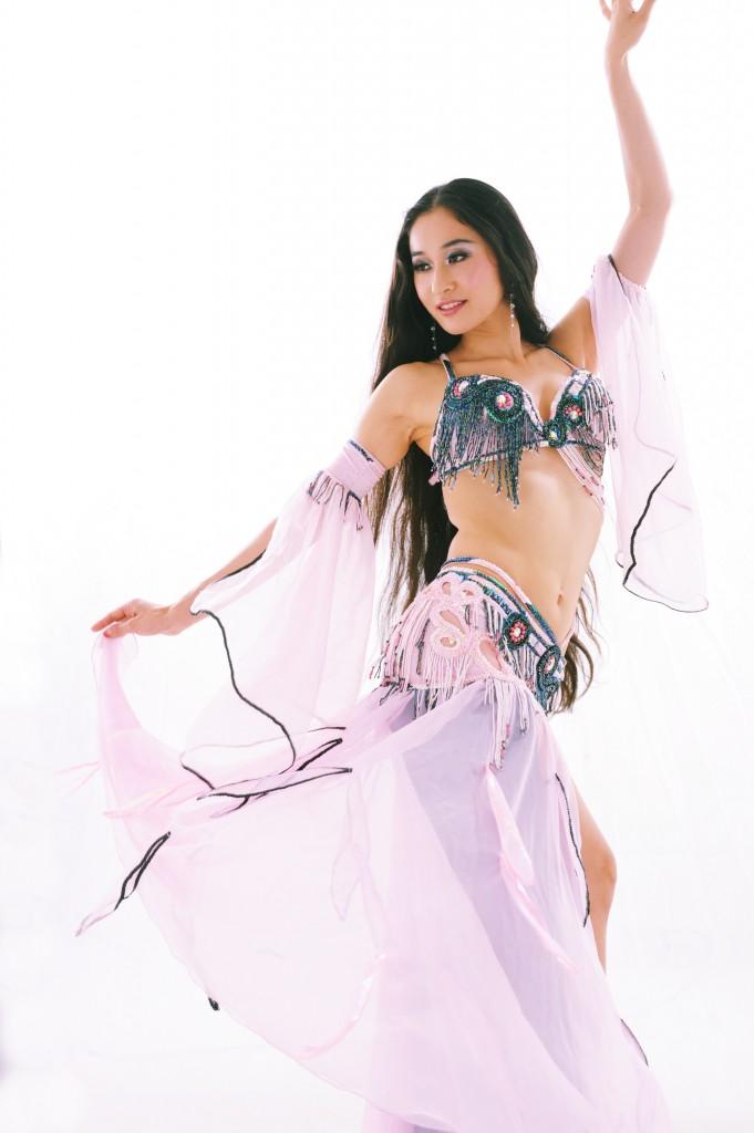 ノーラ-ベリーダンス-bellydance-nourah